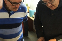 David Ross (on the right) is showing one of the members the correct use of a gouge. David did an impromptu intervention after one of the member had to withdraw.