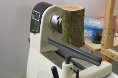 This was Bob Chisholm's piece of Yew mounted on the lathe ready to start, as you can see Bob used a whole log.
