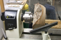 Johm Ruickbie's blank mounted on the lathe ready to start, John was using a piece of Elm.
